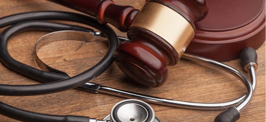 medical malpractice judge gavel and stethoscope